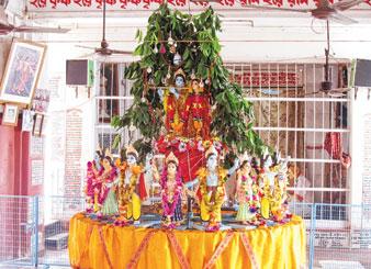 নবদ্বীপ হরিসভায় চক্ররাস। দেবাশিস বন্দ্যোপাধ্যায়ের তোলা ছবি।