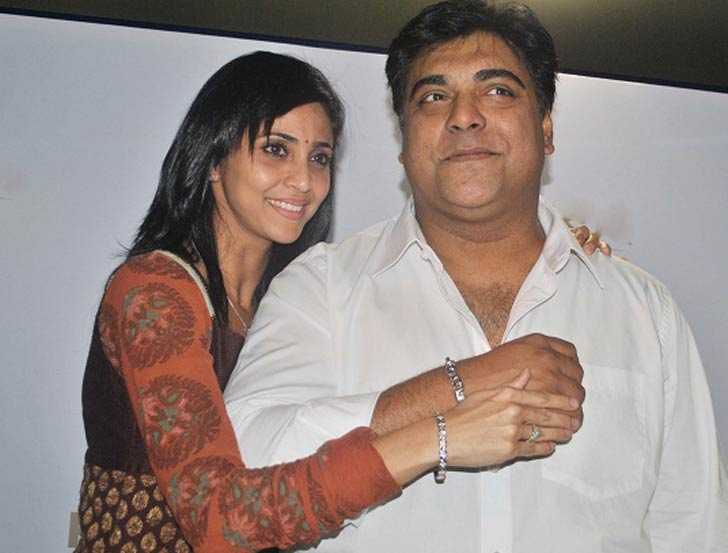 রাম কপূর: টেলি দুনিয়ার নামজাদা অভিনেতা রাম কপূর। তিনি তাঁর স্ত্রী গৌতমীকে দু'বার বিয়ে করেছিলেন।