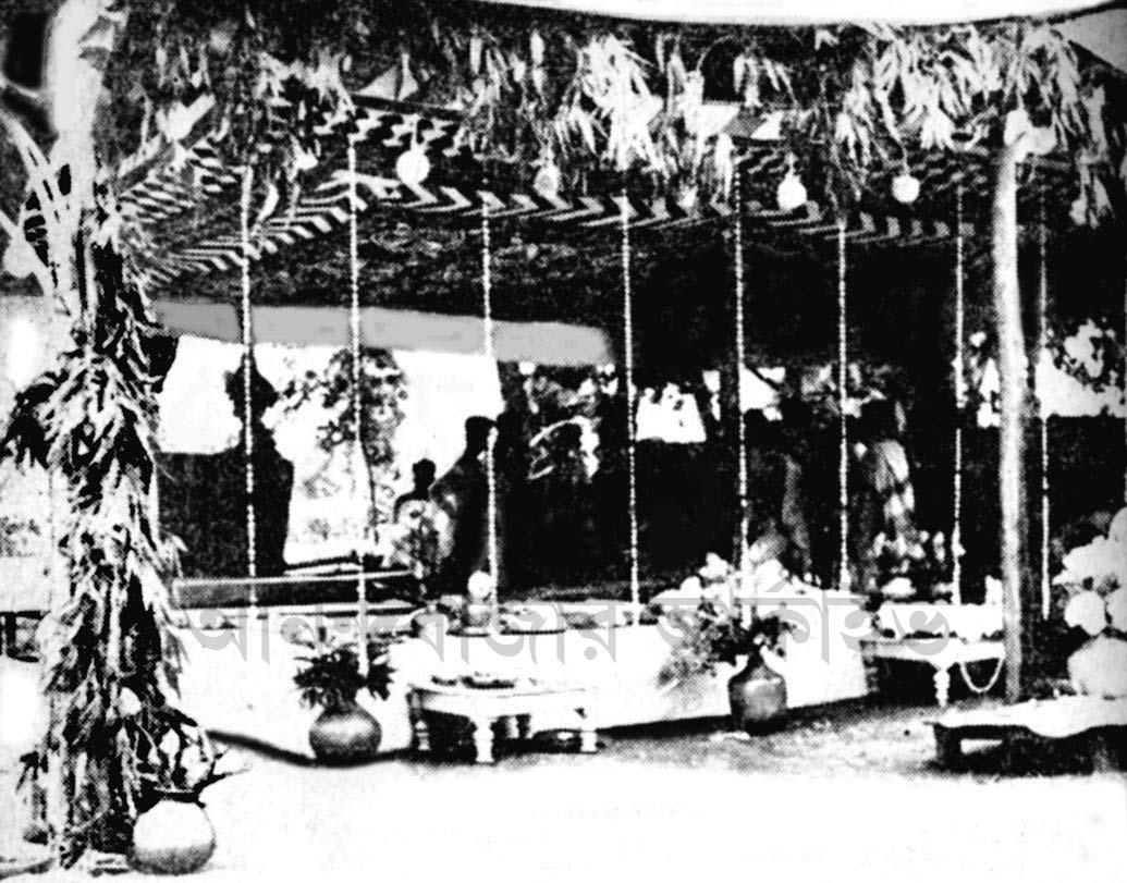 জোড়াসাঁকো ঠাকুরবাড়িতে রবীন্দ্রনাথ ঠাকুরের শ্রাদ্ধানুষ্ঠানের প্রস্তুতি।