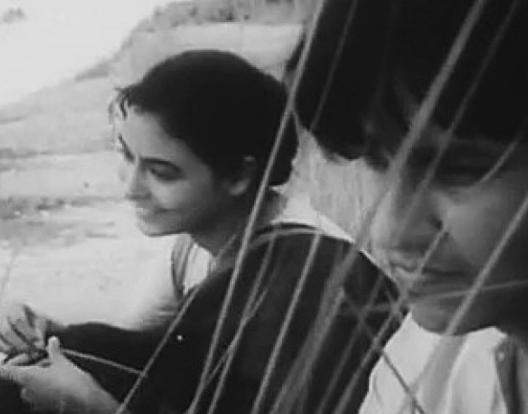 কোমল গান্ধার, ছবিটির মুক্তি ১৯৬১ সালে।