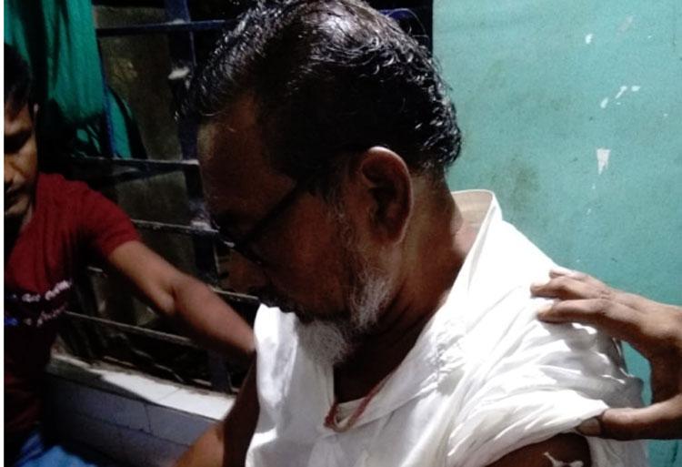 গুলিবিদ্ধ তৃণমূল নেতা শেখ রুকুমুদ্দিন। —ফাইল ছবি