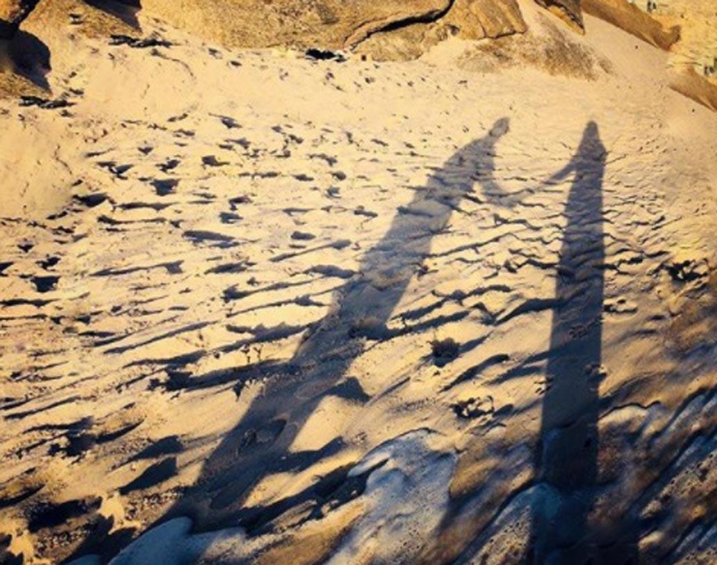 সুরভিনের এই কেপটাউন হলিডের ছবি সোশ্যাল মিডিয়ায় নজর কেড়েছে। নায়িকার গ্ল্যামারের প্রশংসা করেছেন নেটিজেনরা।