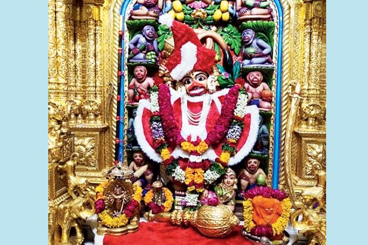 গুজরাতে সারঙ্গপুরের মন্দিরে।