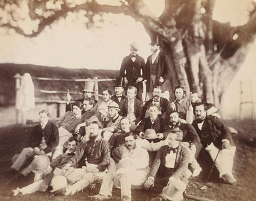 তবে ইডেন তৈরির আগেই কলকাতায় ক্রিকেট খেলা শুরু। ১৮২৫ খ্রিস্টাব্দ থেকে এখানে ক্রিকেট খেলত 'ক্যালকাটা ক্রিকেট ক্লাব'। ১৮৬৪ সালে স্টেডিয়ামের গোড়াপত্তন।