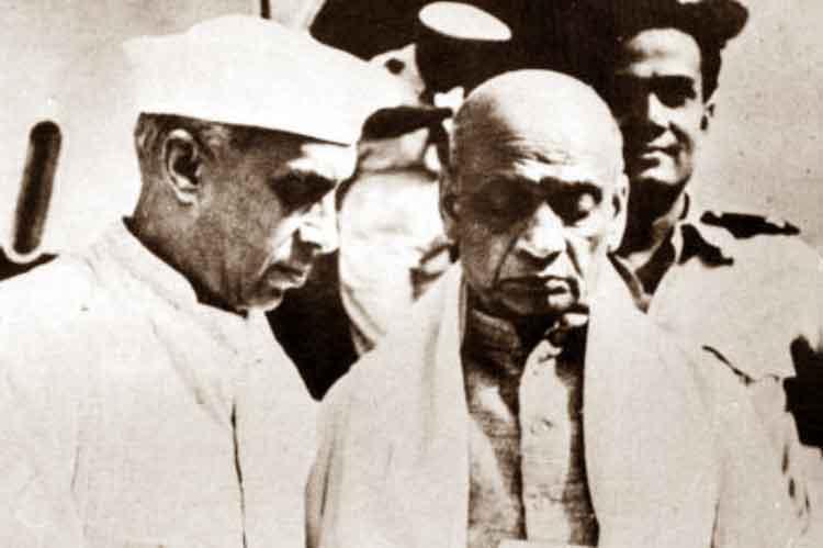 জওহরলাল নেহরু এবং সর্দার বল্লভভাই প্যাটেল। ফাইল চিত্র।