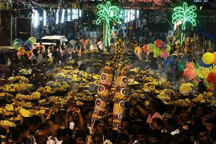 মুনিয়ান্ডি মন্দিরের উৎসবে দেওয়া হয় মটন বিরিয়ানি। ছবি সোশ্যাল মিডিয়া থেকে সংগৃহীত।