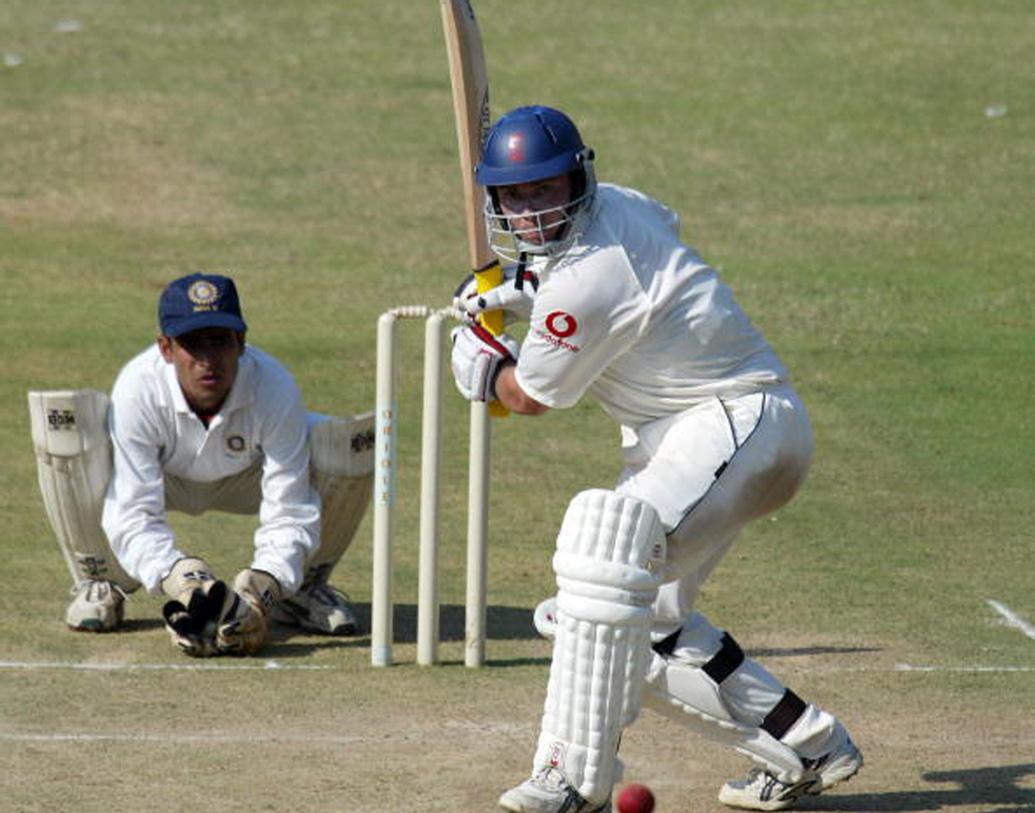 ১৯৯৮-১৯৯৯ মরসুমে প্রথম শ্রেণির ক্রিকেটে ডেবিউ হয়েছিল তাঁর। ৯৯টি প্রথম শ্রেণির ম্যাচে ৪০২৯ রান করেছেন তিনি। গড় ৩০.২৯। এর মধ্যে রয়েছে আটটি শতক ও একটি দ্বি শতক। ৮৯টি 'লিস্ট এ' খেলে ১৩৮১ রান করেছেন তিনি, গড় ২২.৬৩