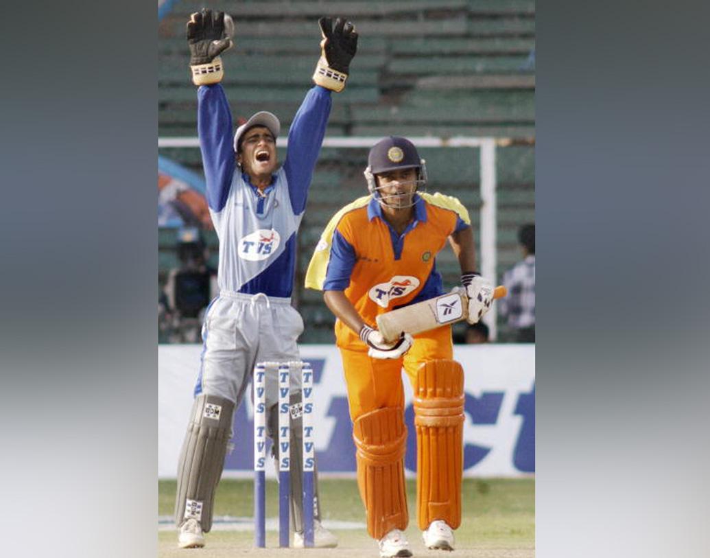 গোয়ার হয়ে ২০০৯ সালে টি২০ ম্যাচ খেলেন অজয়। লিব্রা লেজেন্ডস ও ওএনজিসির দলেও নিয়মিত খেলেছেন অজয় রাত্রা।