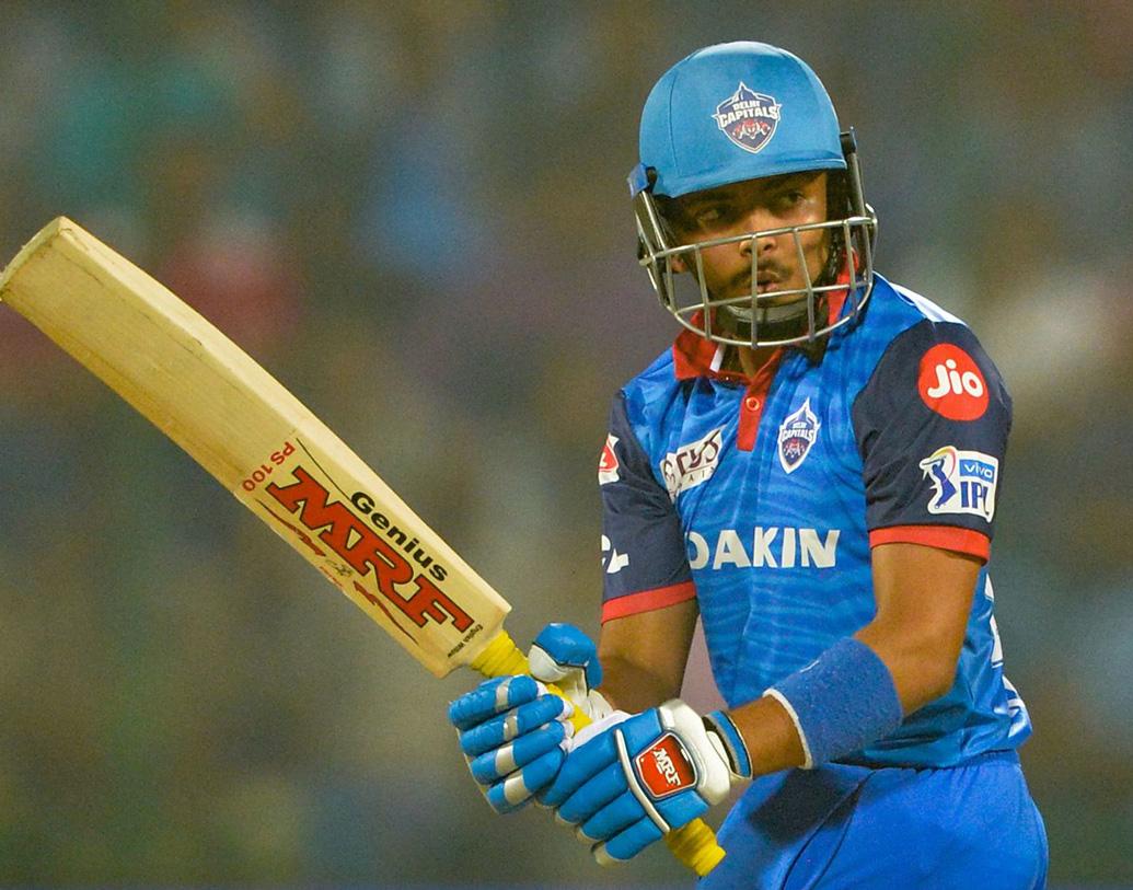 ২০১৭ সালে প্রথম শ্রেণির ক্রিকেটে অভিষেক। রঞ্জি সেমিফাইনালে বিপক্ষে ছিল তামিলনাড়ু। ম্যাচের চতুর্থ ইনিংসে শতরান করেন তিনি। জেতান মুম্বইকে।