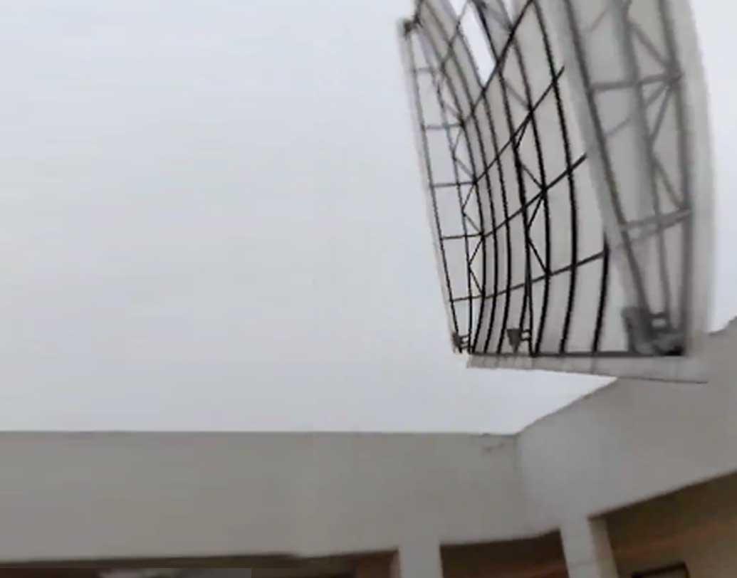 বিদ্যুৎহীন ওড়িশার পুরী, গোপালপুর-সহ বিস্তীর্ণ এলাকা। রাস্তাঘাট একেবারে শুনশান হয়ে পড়ে।