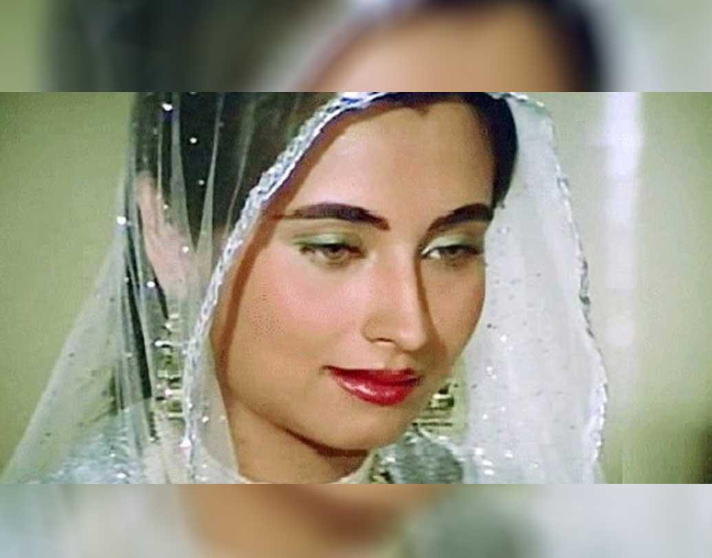 বলিউডে সালমার ডেবিউ হয়েছিল বলদেব রাজ চোপড়া পরিচালিত 'নিকাহ' ছবিটি দিয়ে। মুক্তি পেয়েছিল ১৯৮২-র ২৪ সেপ্টেম্বর।