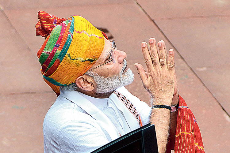 দুর্নীতিমুক্ত প্রশাসন ক্রমেই সোনার পাথরবাটি। এ হল '৫৬ ইঞ্চি'র চতুর্থ কুমির ছানা।