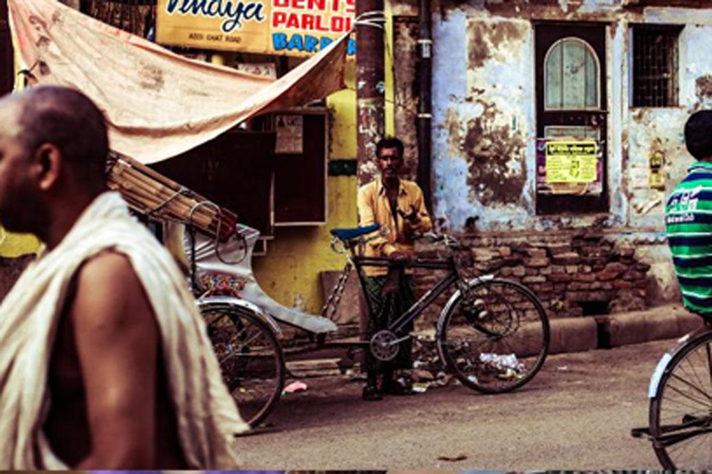 মহারাষ্ট্রের সোলাপুর জেলার কারমালা তালুকের একটি গ্রাম শেতফল। প্রায় ১,৭০০ হেক্টর এলাকা জুড়ে রয়েছে গ্রামটি। ২০১১ আদমসুমারি অনুযায়ী, এই গ্রামে মোট ৫১৭ পরিবারের বাস। জনসংখ্যা ২৩৭৪।