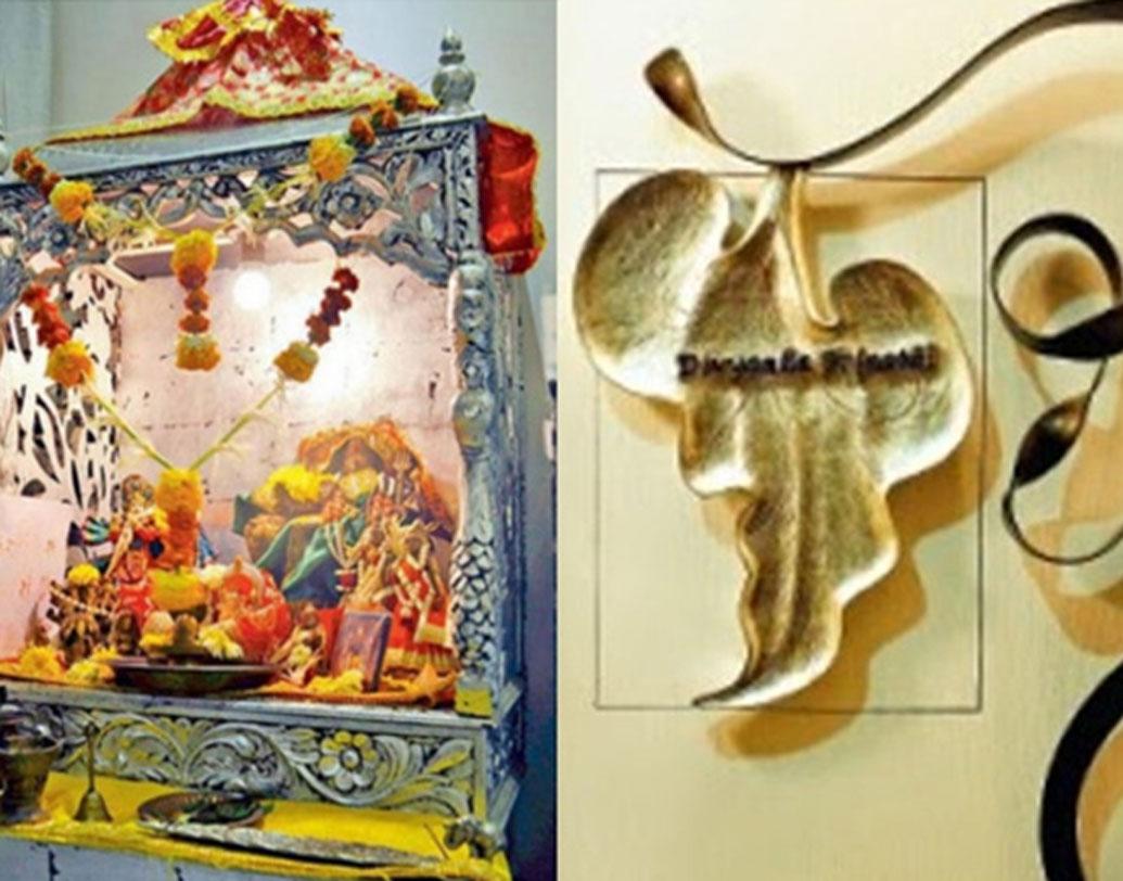ঘরের মধ্যে সুন্দর, ছোট একটি মন্দিরও রয়েছে। সেখানেও সোনালী কাজ করা। তেমন বেডরুমের দেওয়াল থেকে শুরু করে প্রতিটা আসবাবও সোনালী রঙের। এমনকি বিছানার চাদরটাও সোনালী।