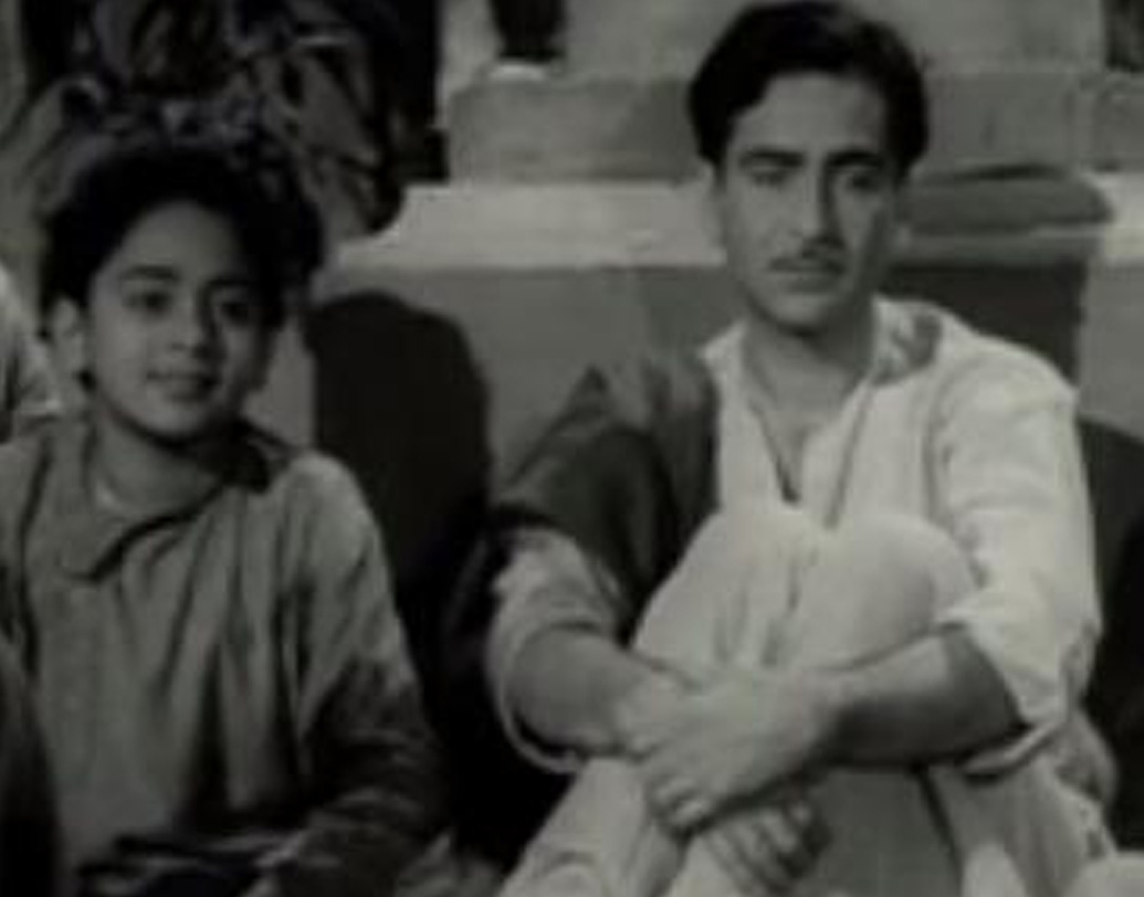 সুদর্শন বিনোদের জন্ম ১৯৪৫ সালে। পঞ্জাবের অমৃতসরে। তাঁর বাবার নাম পরমেশ্বরীদাস মেহরা এবং মায়ের নাম কমলা মেহরা। পরে মেহরা পরিবার চলে আসে বম্বে, আজকের মুম্বইয়ে।
