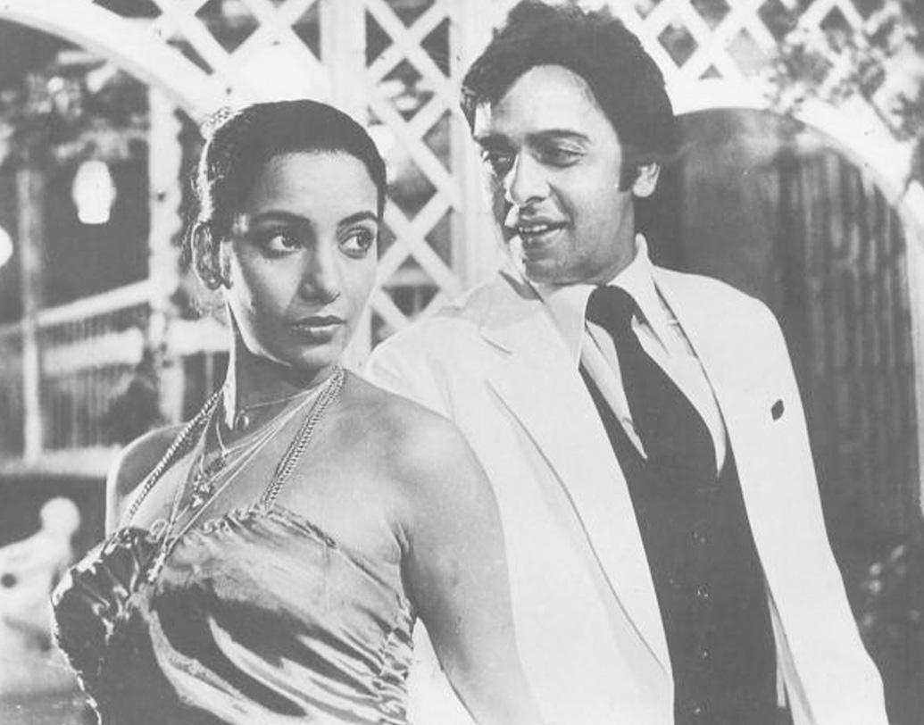 নায়ক হিসেবে বিনোদের প্রথম ছবি 'এক থি রীতা' মুক্তি পায় ১৯৭১ সালে। ছবির নায়িকা ছিলেন তনুজা। এর পর 'পর্দে কে পিছে', 'এলান', 'অমর প্রেম', 'অনুরাগ', 'লাল পাত্থর', 'জানি দুশমন', 'নাগিন', ছবিতে নজরকাড়া পারফরম্যান্স বিনোদের।