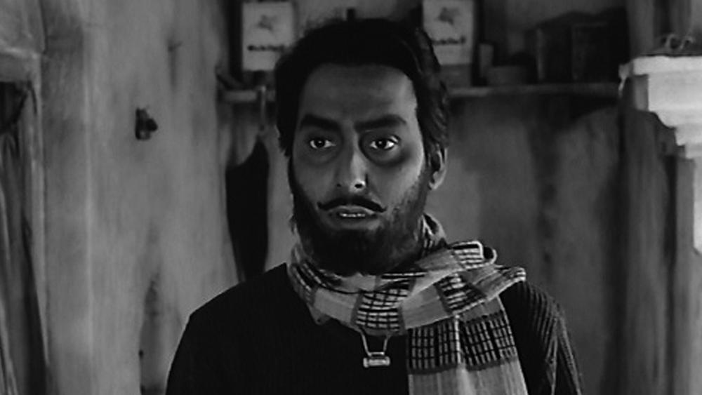 জীবনের ষষ্ঠ ছবিতেই অভিনয় মৃণাল সেনের পরিচালনায়। ছবির নাম, 'পুনশ্চ'। মুক্তি পায় ১৯৬১ সালে। তার পরের বছরই সত্যজিতের পরিচালনায় তিনি 'অভিযান'-এর নরসিংহ।