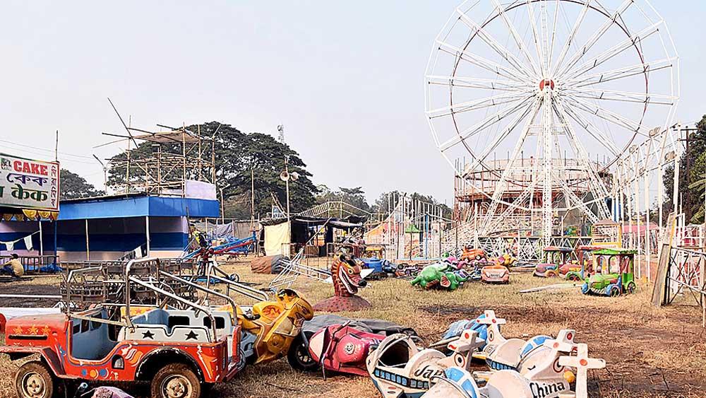 এখানেই হবে মেলা। দুর্গাপুরের গ্যামন ব্রিজ মাঠে। নিজস্ব চিত্র।