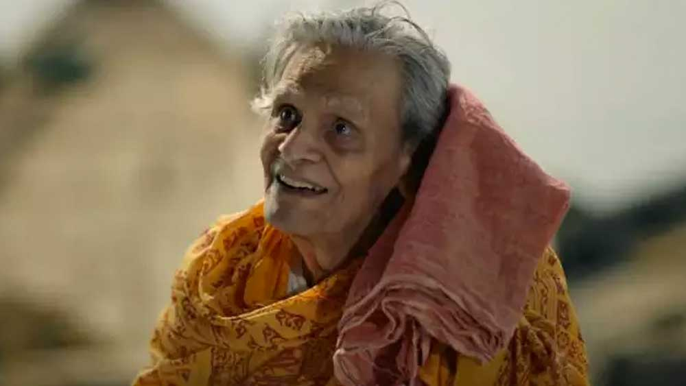 জয় বাবা ফেলুনাথ-এর 'মছলিবাবা' এবং 'শ্রীমান পৃথ্বীরাজ'-এর 'ড্রিলস্যর'-এর চরিত্র ছাপিয়ে আর যে চরিত্র একাত্ম হয়ে যায় মনু মুখোপাধ্যায়ের সঙ্গে, তা হল 'পাতালঘর'-এর 'অপয়া গোবিন্দ বিশ্বাস'।