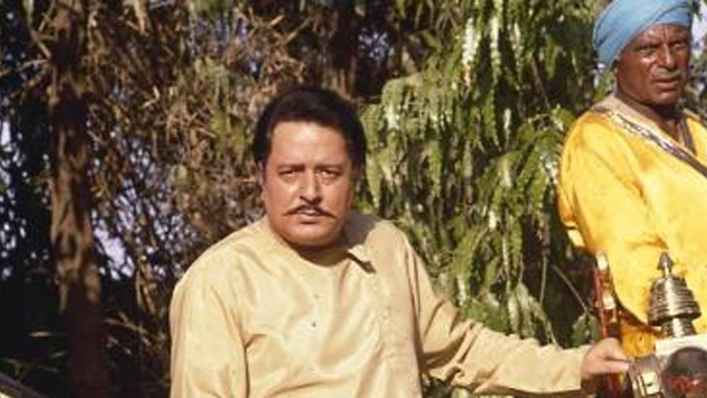 বেশ কিছু সুপারহিট ছবির নায়ক ছিলেন তিনি। তাঁর ফিল্মোগ্রাফিতে উল্লেখযোগ্য হল 'ভিক্টোরিয়া নম্বর ২০৩', 'ঢুনঢ', 'বুডঢা মিল গ্যয়া', 'মেরে সজনা', 'দ্য বার্নিং ট্রেন', 'খঞ্জন', 'প্রেম ধরম', 'লাভার বয়', 'মেজর সাব', 'আক্রোশ', 'আ অব লট চলে', 'হিন্দুস্তান কি কসম', 'খোসলা কা ঘোসলা' এবং 'আশিক বনায়া আপনে'।