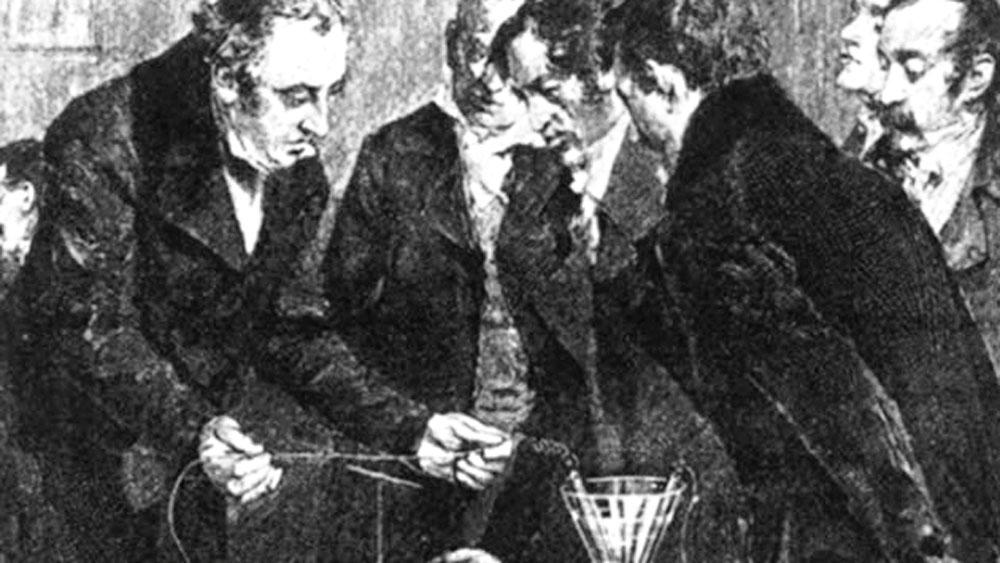 আবিষ্কার: পরীক্ষা করে দেখাচ্ছেন হান্স ক্রিশ্চিয়ান ওরস্টেড