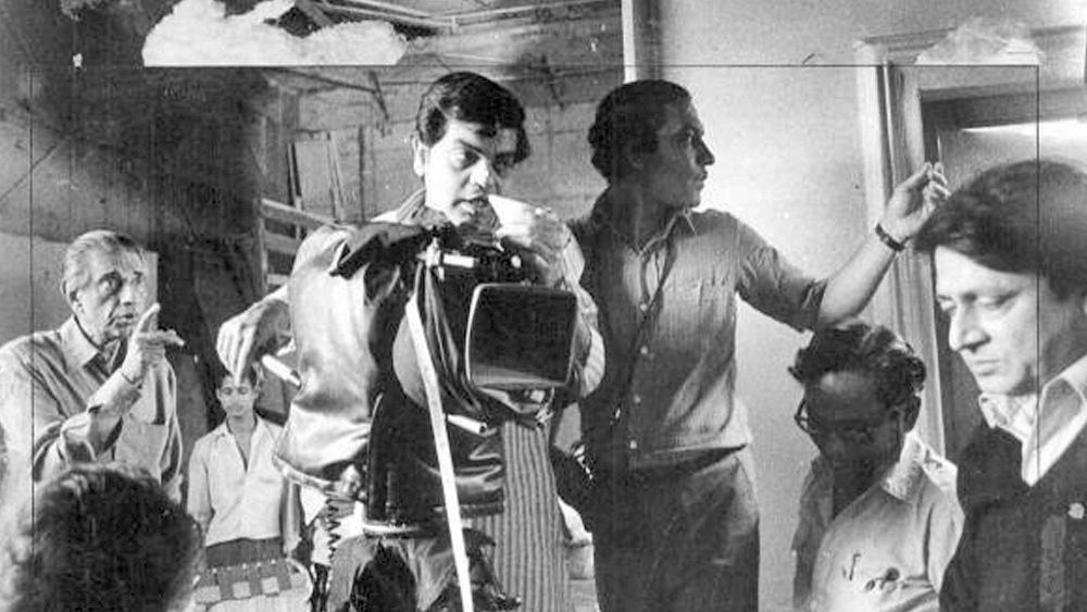 'পথের পাঁচালী'-র পরে 'অপরাজিত', 'পরশ পাথর', 'জলসাঘর', 'অপুর সংসার', 'দেবী', 'তিন কন্যা'—একের পর এক অলঙ্কারে ভারতীয় চলচ্চিত্রকে সাজিয়ে তোলেন সত্যজিৎ।