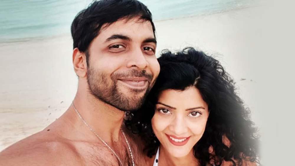 ৩২ বছরের এই অভিনেতা 'ড্রিম গার্ল', 'স্ত্রী', 'বালা' ছবিতে পার্শ্বচরিত্রে অভিনয় করেছেন। ২০১৪-তে তিনি বিয়ে করেছিলেন মডেল ও ডিজাইনার টিনা নোরনহাকে।