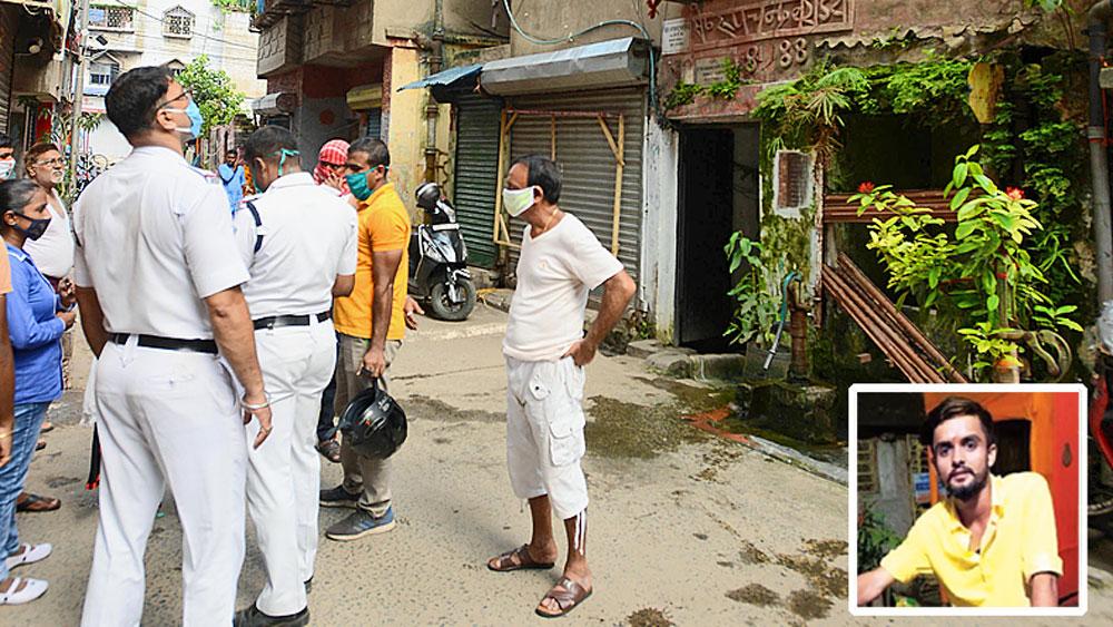 অকুস্থল: খুনের তদন্তে পুলিশকর্মীরা। শুক্রবার, হাওড়ার জেলিয়াপাড়ায়। (ইনসেটে) ধৃত বিশাল দুবে। । নিজস্ব চিত্র