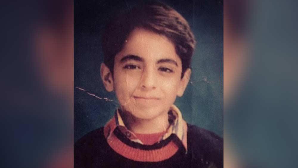ছোট থেকেই অভিনয়ের দিকে ঝোঁক ছিল আয়ুষ্মানের। ভাল গানও গাইতেন তিনি। ২০০২ সালে স্কুলে পড়াকালীন, মাত্র ১৭ বছর বয়সে 'চ্যানেল ভি পপস্টার্স' অনুষ্ঠানে অংশগ্রহণ করেন তিনি।