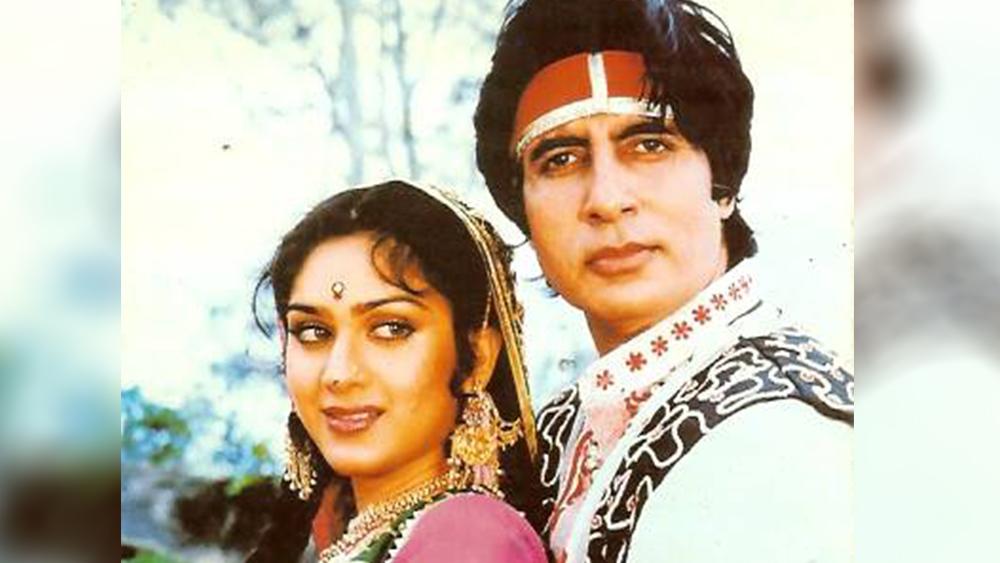 রাজেশ খন্না, রজনীকান্তের সঙ্গে 'বেওয়াফাই' ছবিতে অভিনয় করেছেন। কাজ করেছেন অমিতাভ বচ্চনের সঙ্গেও।
