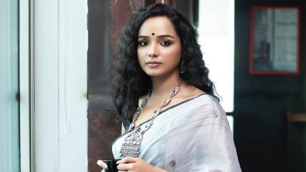 Exclusive interview of actor Tuhina Das dgtl - Anandabazar