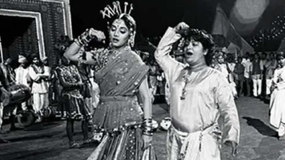 চেন্নাই থেকে বলিউডে এসে তাঁরা কোরিয়াগ্রাফির খোলনলচে পাল্টে দিয়েছিলেন। ১৯৫৫ সালে মুক্তি পেয়েছিল 'আজাদ'। এই ছবিতে 'আপলাম চাপলাম' গানের সঙ্গে তাঁদের কোরিয়োগ্রাফি খুবই প্রশংসিত হয়।