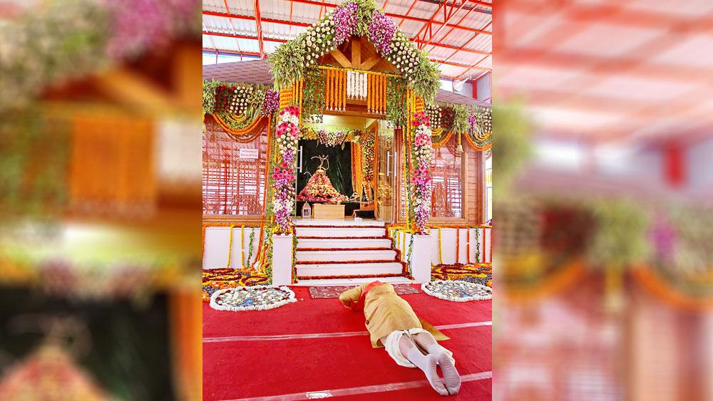 প্রণত: রামলালার মূর্তির সামনে প্রধানমন্ত্রী নরেন্দ্র মোদী। অযোধ্যা, ৫ অগস্ট। ছবি: পিটিআই