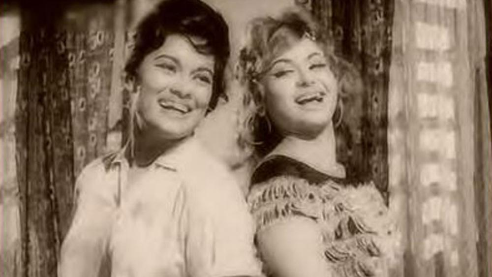 নায়িকা হিসেবে বেলাকে প্রথম দেখা গিয়েছিল 'নাগিন অউর সপেরা' ছবিতে। ১৯৬৬ তে মুক্তিপ্রাপ্ত এই ছবিতে বেলার বিপরীতে নায়ক ছিলেন মনোহর দেশাই। এর পাশাপাশি তাঁর ফিল্মোগ্রাফিতে উল্লেখযোগ্য বাকি ছবি হল 'বন্দিনী', 'প্রফেসর', 'আম্রপালী', 'শিকার', 'প্রেমপত্র', 'জিদ্দি', 'চিত্রলেখা', 'পুনম কে রাত', 'বক্সার', 'অভিনেত্রী' এবং 'জয় সন্তোষী মা'।