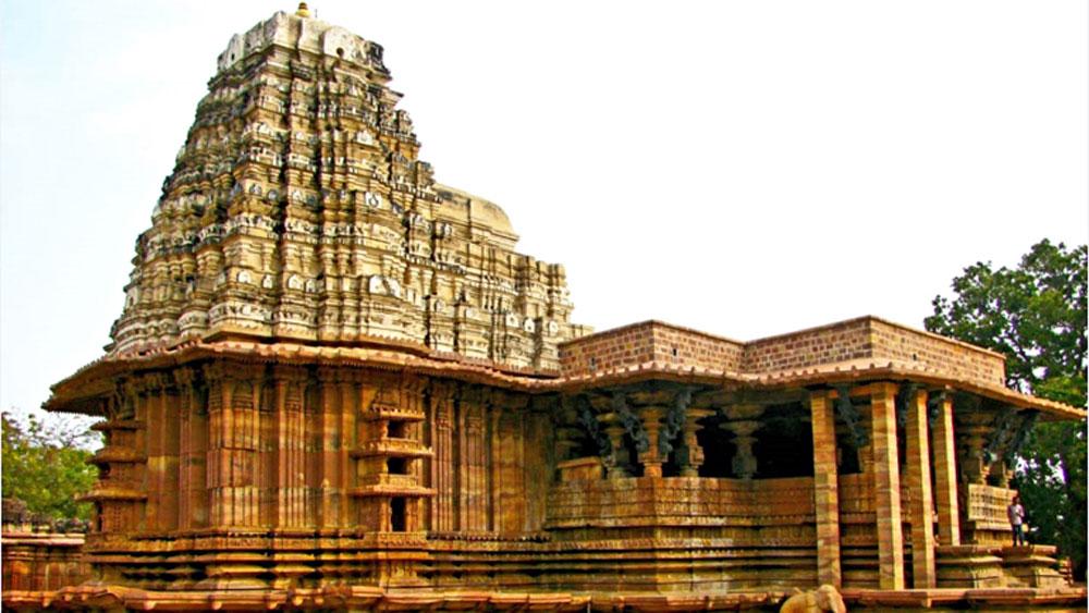 ভাস্কর্য: রামাপ্পা মন্দিরের বাইরের ভিউ
