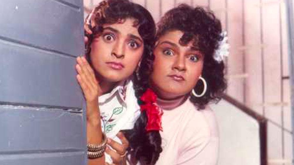 সেই শোক কাটিয়ে ফের কেরিয়ারে মন দেন গুড্ডি। নব্বইয়ের দশকে একের পর হিট ছবিতে অভিনয় করেন তিনি, যার মধ্যে উল্লেখযোগ্য হল, 'শোলা অউর শবনম', 'দুলহে রাজা', 'দিল তেরা আশিক', 'ছোটে সরকার', 'বিবি নম্বর ওয়ান', 'খিলাড়ি'।