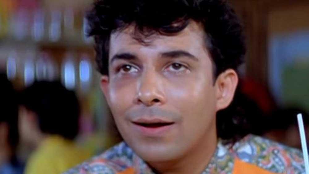 প্রথম অভিনয় টেলিভিশনে। কয়েকটি ধারাবাহিকে কাজ করার পরে ঠিক করলেন বন্ধুদের মতো তিনিও ছবিতে অভিনয় করবেন। বড় পর্দায় প্রথম অভিনয় ১৯৮৮ সালে, 'তেরা নাম মেরা নাম' ছবিতে। এর পর 'ম্যায়ঁ তেরা দুশমন', 'পর্বত কে উস পার', 'ক্রোধ'-সহ বেশ কিছু ছবিতে অভিনয় করেছেন তিনি। কিন্তু সে সবই নামমাত্র ভূমিকায়।