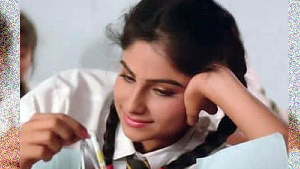 আয়শা জুলকা ছিলেন নয়ের দশকে বলিউডে প্রথম সারির নায়িকা। ১৯৮৯ সালে আয়শার প্রথম ছবি 'ক্যায়সে ক্যায়সে লোগ' মুক্তি পেয়েছিল।