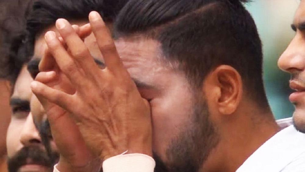 জাতীয় সঙ্গীত শুনে সিরাজের চোখে জল। ছবি: সোশ্যাল মিডিয়া