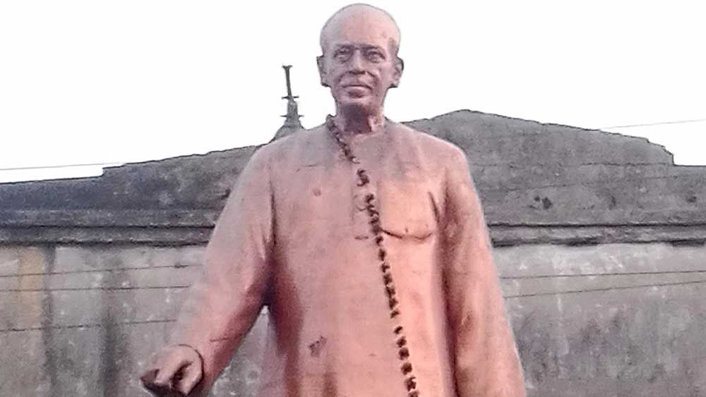 বিস্মৃত: আলামোহন দাশের প্রতিকৃতি, দাশনগর। ছবি সৌজন্য: উইকিমিডিয়া কমন্স