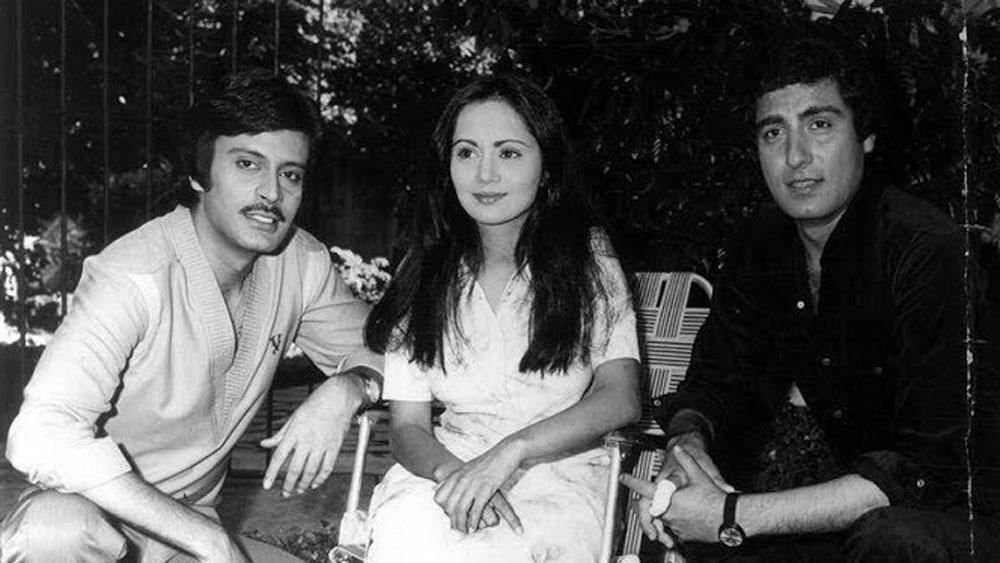 ১৯৮০ সাল থেকে তিনি ফিল্মে আসেন। তাঁর প্রথম ফিল্ম 'ইনসাফ কা তরাজু'। এ ছাড়া 'নিকাহ', 'পুরানি হাভেলি'-সহ একাধিক ফিল্ম করেছেন দীপক। ২০০০ সালে তাঁর শেষ ফিল্ম 'চ্যাম্পিয়ন'। টেলিভিশনেও অভিনয় করেছেন তিনি।