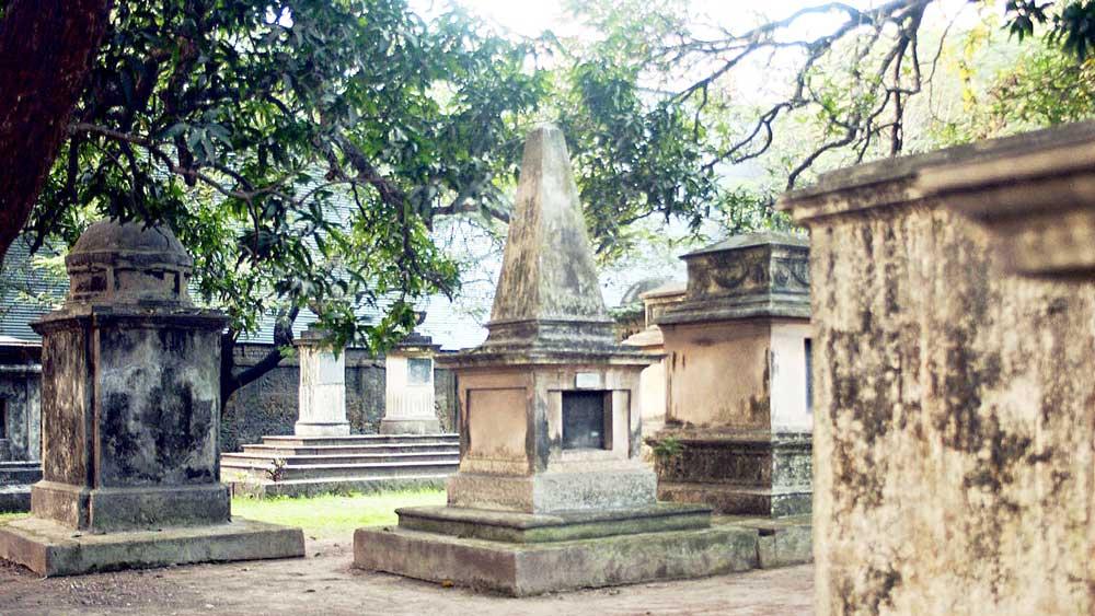 ইতিহাস: কলকাতার পার্ক স্ট্রিটের পুরনো গোরস্থান খুলেছিল ১৭৬৭ সালে।