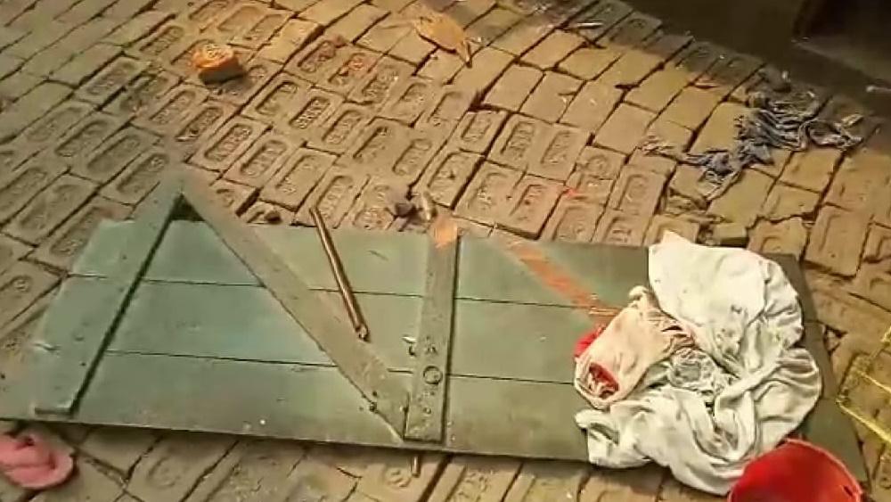 বাগনানে বিজেপি কর্মীদের বাড়ি ভাঙচুর।