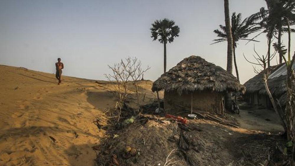 এর মধ্যে শুধু কেন্দ্রাপাড়া জেলা হারিয়েছে ৩১ কিলোমিটার উপকূল অঞ্চল।