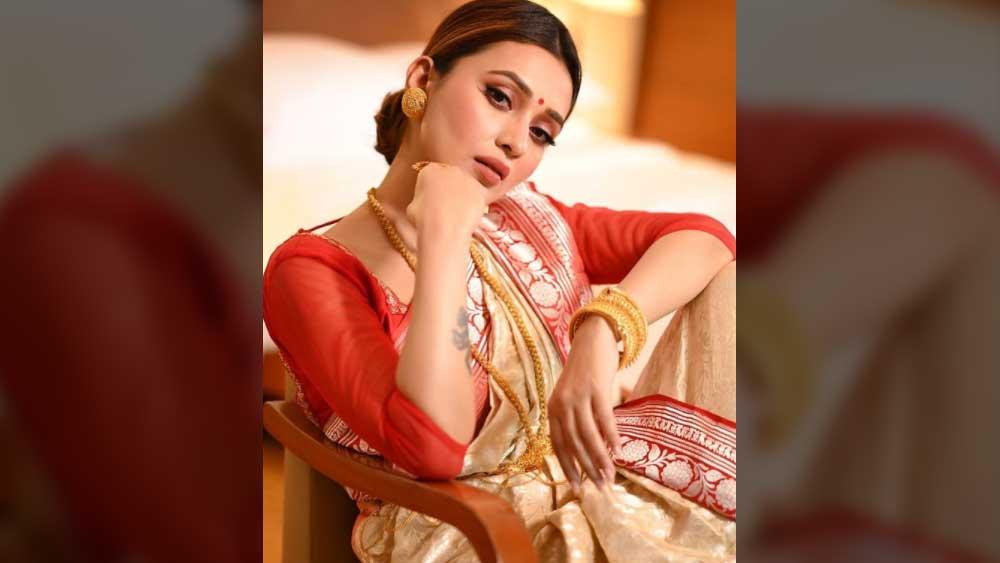 মিমি চক্রবর্তী।