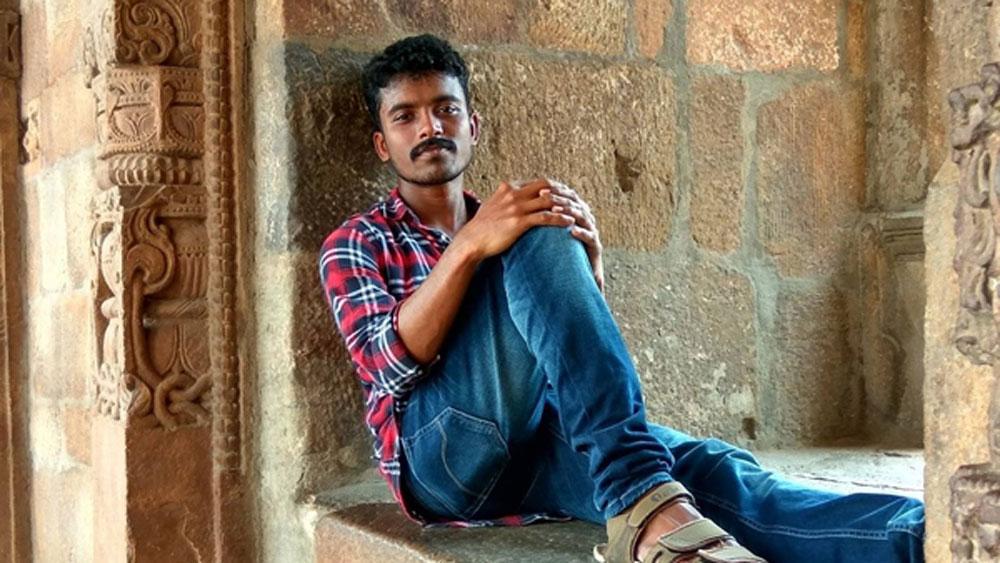 আজ তিনি নামজাদা কলেজের শিক্ষক। তাঁর নাম রঞ্জিত রামচন্দ্রন। রাঁচীর আইআইএম-এ সহকারী শিক্ষক তিনি।