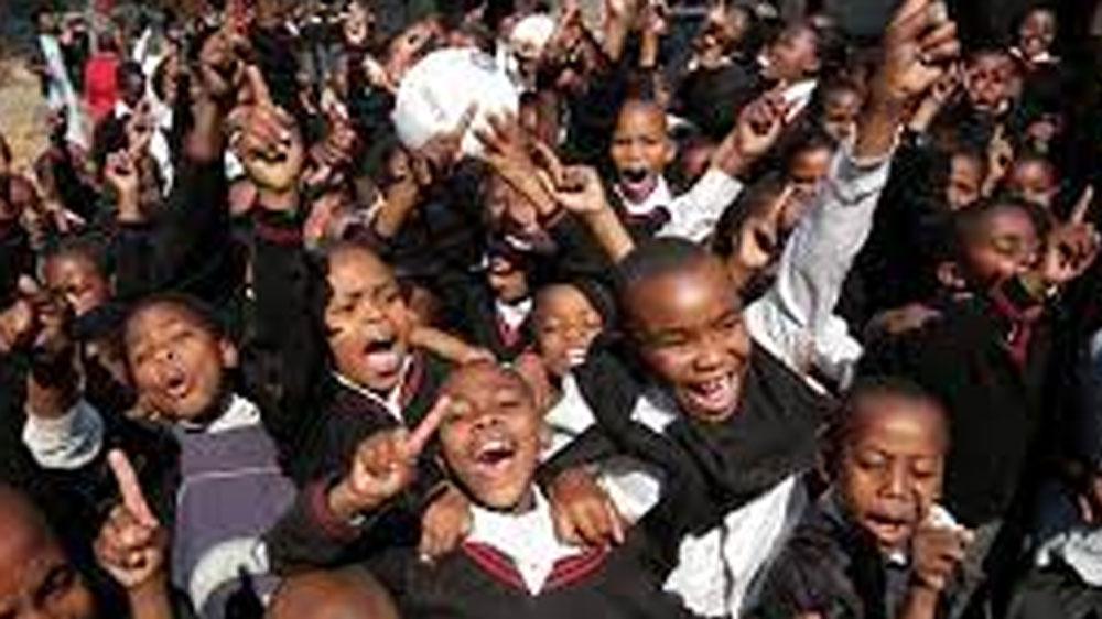 উগান্ডার সীমান্তে অবস্থিত তানজানিয়ার ওই গ্রামের একটি স্কুল থেকে সূত্রপাত হয়েছিল এই মহামারির।