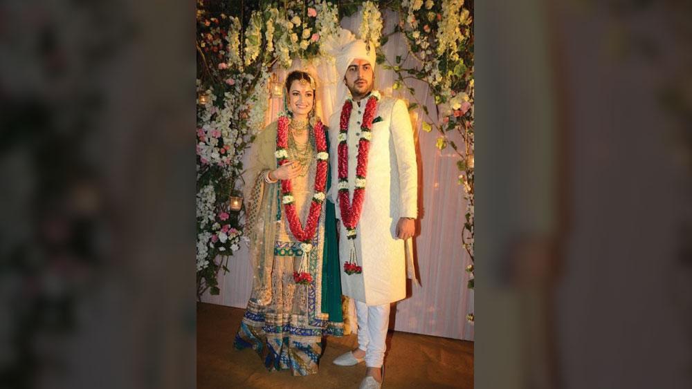 ২০১৪ সালে বিয়ে করেছিলেন সাহিল এবং দিয়া। ৫ বছর পরে ভেঙে যায় তাঁদের দাম্পত্য। বিচ্ছেদের পরে দিয়া নিজের প্রোডাকশন হাউস 'ওয়ান ইন্ডিয়া স্টোরিজ' শুরু করেন।