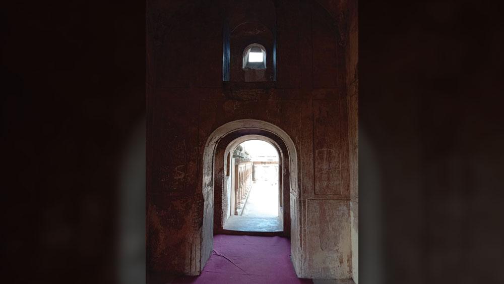 ভুলভুলাইয়ার ভিতরে এ রকমই কোথাও কি ফেলুদা লুকিয়ে রেখেছিল 'বাদশাহী আংটি'?