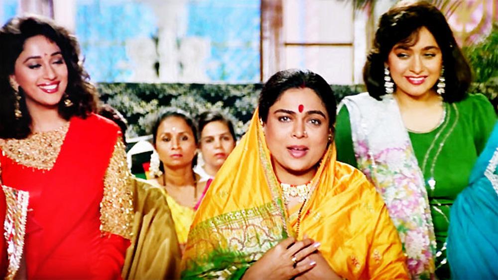 ১৯৯৪ সালে ব্লকবাস্টার 'হম আপকে হ্যায় কৌন'-এ রীতার ভূমিকায় অভিনয় করেন সহিলা। এই ছবি তাঁকে ইন্ডাস্ট্রিতে নতুন পরিচয় পেয়ে জায়গা তৈরি করতে সাহায্য করে। এর পর 'চাঁদ কা টুকরা' ছবিতে তিনি সলমন খানের সঙ্গে অভিনয় করেন। এর পর 'তিরচি টোপিওয়ালে', 'আন্টি নাম্বার ওয়ান', 'ওয়ান টু কা ফোর'-সহ বেশ কিছু ছবিতে অভিনয় করেন সহিলা।